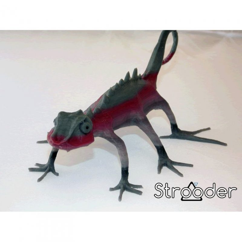 3D printed multicoloured lizard