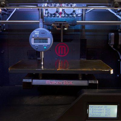 Makerbot replicator 2x has a heated build platform