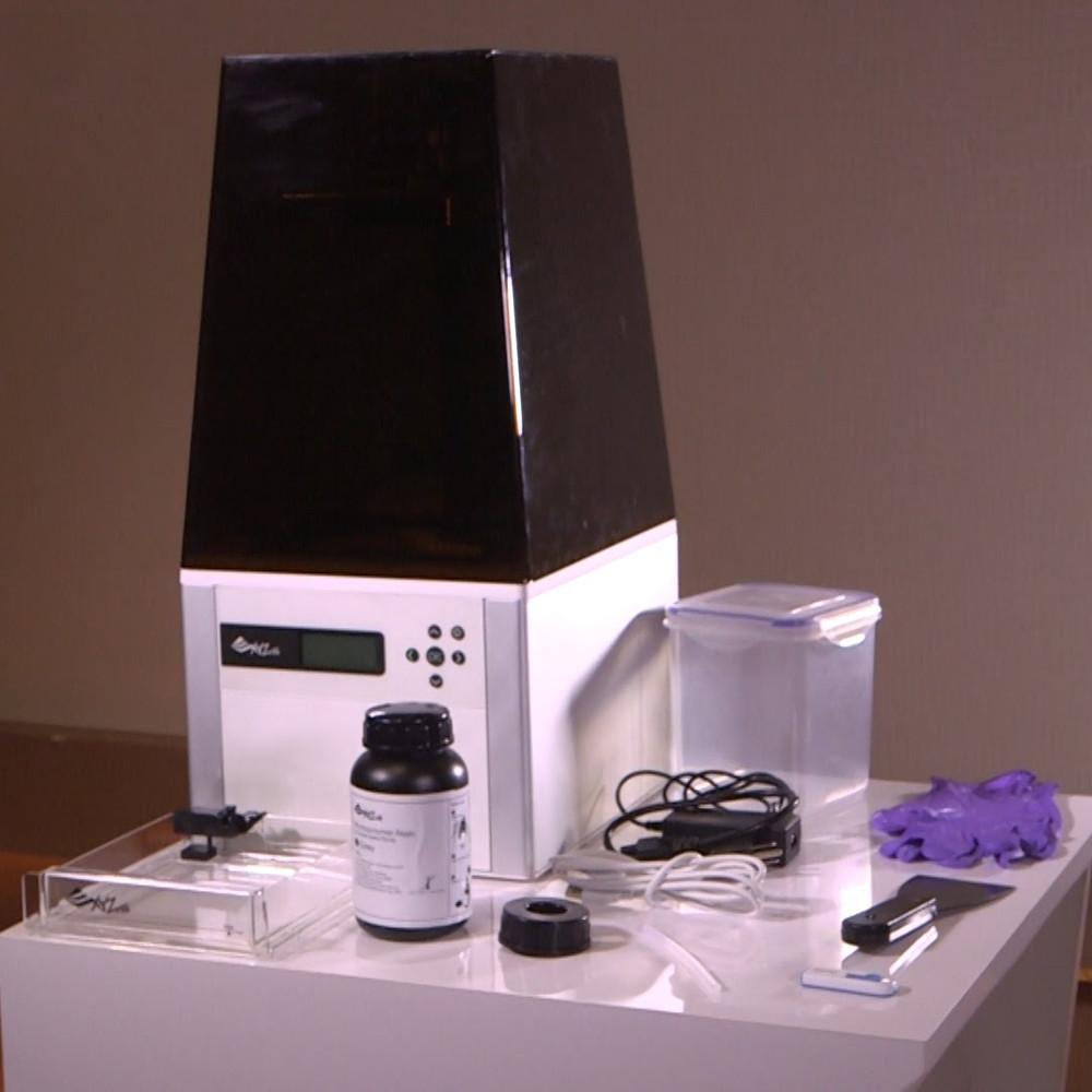Nobel 1.Nobel SLA 3D printer from XYZ Printing