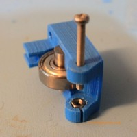 split in 3D printer extruder mount idler