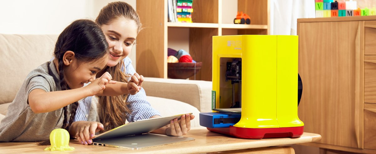 XYZ printing Da Vinci MiniMaker is great for learning how to 3D print in the home or school